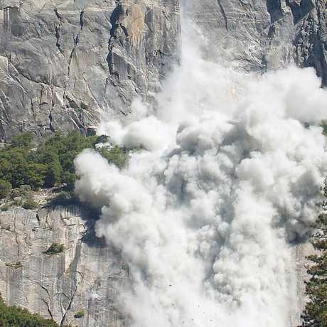 Yosemite rockfall, October 2010, Tom Evans