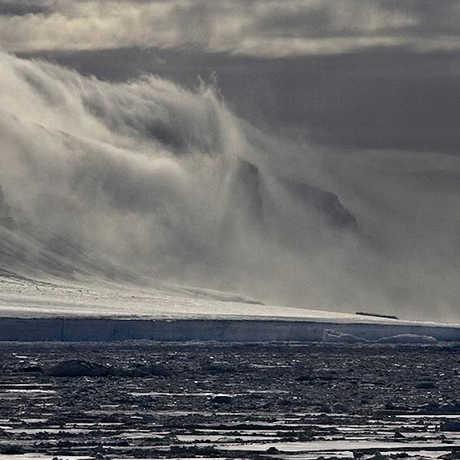 Coulson Island in the Ross Sea, Quâłiįk Hǫüįıkťqųq/Wikipedia