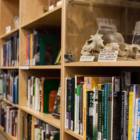 Books on a wide range of natural science subjects are available.