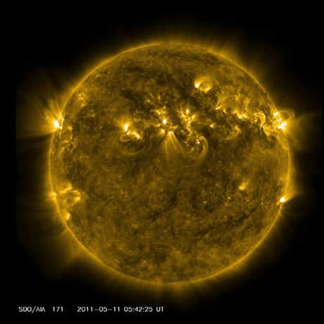 A striking photograph of the sun reveals gigantic solar flares