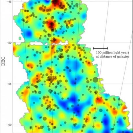 Dark matter map from the Dark Energy Survey